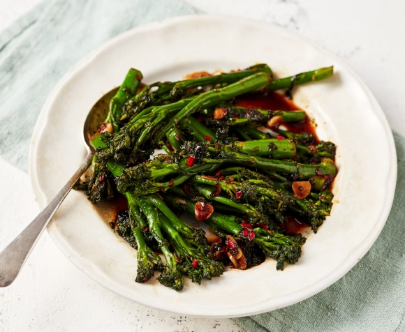 TENDERSTEM BROCCOLI WITH GARLIC AND CHILLI